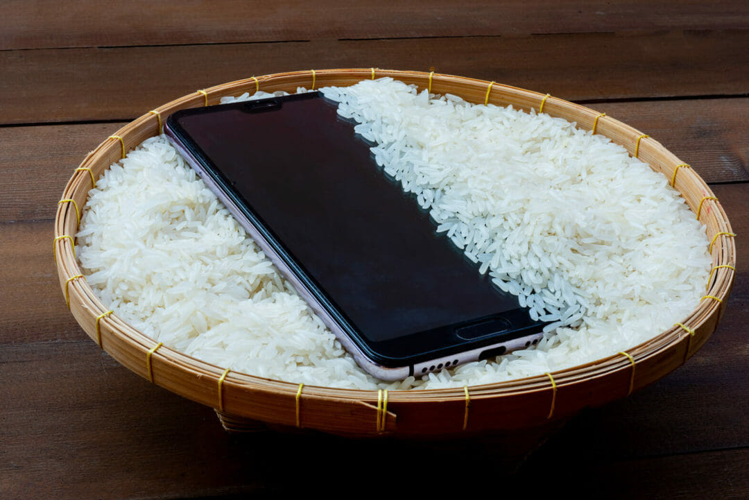 Drying wet phone in a rice bag: Myth or Fact HalfofThe